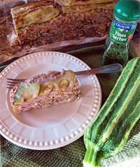 Мясной рулет с кабачком и сыром
