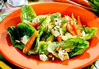 Салат с морковью и козьим сыром