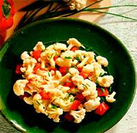 Салат с цветной капустой и перцем