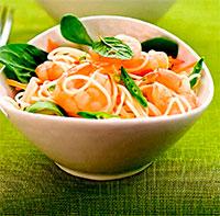 Салат с лапшой и креветками