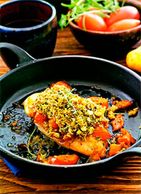 Индейка, запеченная с помидорами под сыром