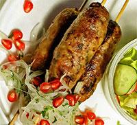 Люля-кебаб с салатом гранатовым