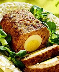 Пирог мясной с вареными яйцами (пасхальный стол)