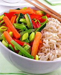 Острый салат из кабачков (рецепты из первых овощей)