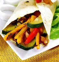 Рулеты с курицей и овощами (рецепты из первых овощей)
