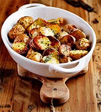 Картофель с ароматными травами (рецепты из первых овощей)
