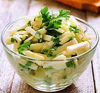 Чесночный салат с репой (рецепты из первых овощей)