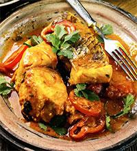 Рыба, тушенная с помидорами (греческая кухня)