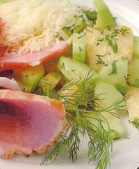 Салат из дыни с ветчиной